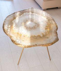 Original resin geode table – Geode Decor Home Design – Home Epoxy Geode Decor, Diy Resin Art, Diy Resin Crafts, Resin Furniture, Furniture Design, Resin Table, Home And Deco, Home Design, Home Decor Accessories