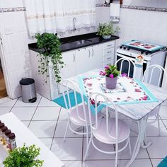 Home Design Decor, Diy Home Decor, Home Decor Kitchen, Home Kitchens, Cocina Shabby Chic, Modern Kitchen Design, Simple House, House Rooms, Small Living