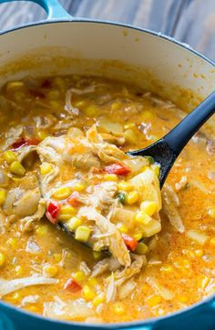 Spicy Chicken and Corn Chowder is part of Chowder soup - Spicy Chicken and Corn Chowder is loaded with chunks of chicken and lots of corn in a thick creambased broth that's full of spicy, smoky flavor Sopa Detox, Cooking Recipes, Healthy Recipes, Beef Recipes, Easy Recipes, Hamburger Recipes, Barbecue Recipes, Spicy Food Recipes, Cooking Tips