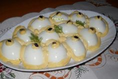 Oua umplute cu piept de pui Egg Recipes, Cake Recipes, Cooking Recipes, Good Food, Yummy Food, Romanian Food, Appetisers, Party Snacks, Side Dishes
