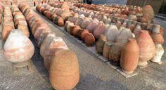 Tinajas de barro grandes jarrones pinterest for Jarrones decorativos para jardin
