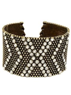 This crystal studded cuff is sparkly, edgy and luxe grunge all over :)