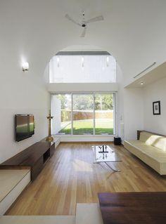 runningwallresidenceLIJO RENY Architects.jpg9  Imposing, Eye Catching And Mysterious: The Running Wall Residence