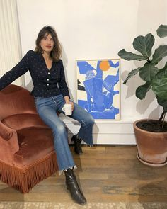 Rouje UK: Jeanne Damas in a Rouje button-front top French Clothing Brands, French Brands, French Girl Style, French Girls, Rouje Jeanne Damas, Pantalon Bleu Marine, Style Parisienne, Outfit Jeans, Parisian Style