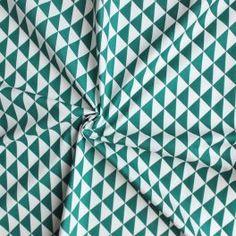 Cretonne stof 100% katoen met driehoek design.