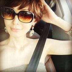 Short Cuts, Sunglasses Women, Short Hair Styles, Elegant, Chic, Image, Beauty, Fashion, Bob Styles