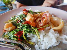 #ผัดกระเพรา #ผัดกระเพราทะเล #KapowTalay #Thai  #food  #spicy #Bangkok #Thailand #LoveThaiMaak
