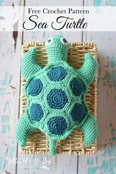 Free Crochet Pattern: Crochet Sea Turtle: Make this beautiful sea turtle with this fun and easy pattern. Your child will love it!