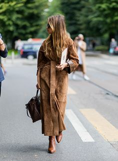 Chic Winter Outfit Ideas You Can Wear To Work camel wrap coat for work The post Chic Winter Outfit Ideas You Can Wear To Work appeared first on Do It Yourself Diyjewel. Winter Outfits For Teen Girls, Chic Winter Outfits, Winter Outfits For Work, Chic Outfits, Fashion Outfits, Ootd Fashion, Outfit Winter, Fashion Mode, Womens Fashion