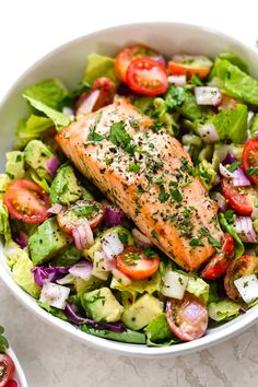 This Salmon Avocado Salad is made with my two favorite super foods – avocado and wild salmon. I could eat this every day! This Salmon Avocado Salad is made with my two favorite super foods – avocado and wild salmon. I could eat this every day! Salmon Recipes, Seafood Recipes, Cooking Recipes, Healthy Recipes, Super Food Recipes, Great Salad Recipes, Detox Recipes, Salmon Avocado, Avocado Salat
