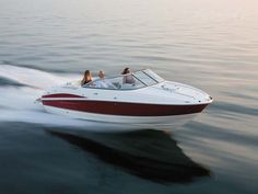 Cayman LE 230 pontoon boats offer excellent features like the six-speaker stereo with aft remote and subwoofer for an exciting on-water party. Luxury Pontoon Boats, Fishing Pontoon Boats, Ski Boats, Cool Boats, Boating Tips, Boating Fun, Deck Boats For Sale, Boat Dealer, Fish Model