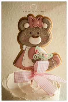 – Gina's cake and icing cookie Gingerbread Cookies, Christmas Cookies, Dyed Tips, Biscotti Cookies, Bear Cookies, Shortbread Recipes, Shaped Cookie, Easy Halloween, Cookie Decorating