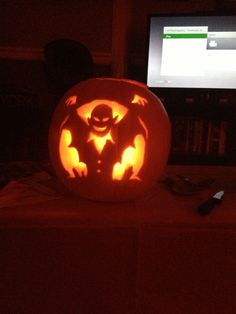 Vampire pumpkin carving (Halloween 2013)
