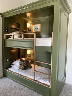 Custom built in bunk beds. Twin over twin Corner Bunk Beds, Bunk Bed Rooms, Bunk Beds Built In, Cool Bunk Beds, Twin Bunk Beds, Best Bunk Beds, Build In Bunk Beds, Modern Bunk Beds, Room Design Bedroom