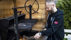 Grillmesternes beste tips til å rengjøre grillen - Godt. Barbecue, Grilling, Tips, Barbacoa, Barrel Smoker, Bbq Grill, Crickets, Outdoor Parties