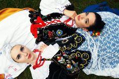 Polish costumes: region of Rzeszów (strój rzeszowski). Photography © Kamil Poniatowski