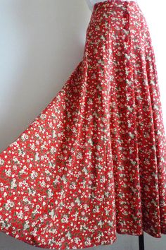 70's/80's Red Floral Maxi Skirt | Vintage clothing, Etsy vintage ...