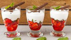 In de kijker: Aardbeien met romige Amaretto-munt crème   VTM Koken