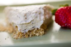No-Bake Vegan Chia Cheesecake. Crumble Crust.