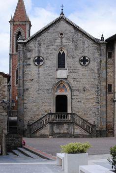 Piazza Fiorucci Pietralunga, Umbria