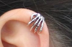 Skele ear cuff. sailingondawn