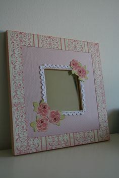 Malma alterado                                                                                                                                                     Más Malm, Ikea Mirror, Decoupage Glass, Flower Frame, Crafts To Make, Picture Frames, Decorated Mirrors, Crafty, Handmade Gifts