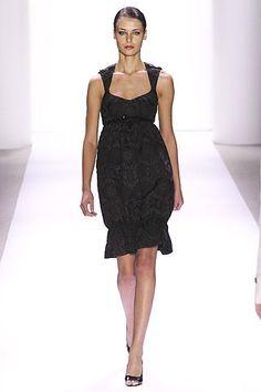Monique Lhuillier Spring 2007 Ready-to-Wear Fashion Show - Elena Baguci