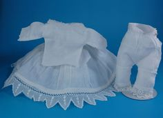Vintage doll whites three pieces for small dolls