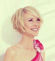 6.-Cute-Hairdo-for-Short-Hair.jpg (500×553)