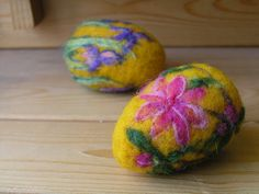 Felted floral eggs