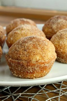 """approved , like those amazing little classic cinnamon """"sugared"""" donuts! Keto Muffins- The Classic Cinnamon """"Sugar"""" Donut Style! Love the low carb lifestyle? These keto muffins are for you. Great for breakfast or as a quick snack Keto Breakfast Muffins, Low Carb Breakfast Easy, Breakfast Recipes, Breakfast Hash, Breakfast Omelette, Breakfast Ideas, Breakfast Biscuits, Keto Pancakes, Breakfast Cookies"""