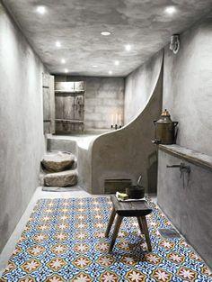 Ojoj! Detta skulle kunna vara/bli badrummet i källaren.