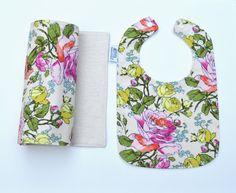 Organic Baby bib and burp cloth set /Modern by TextileTrolley, $22.00