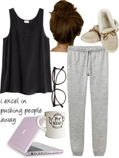Take a look at 32 comfy college outfits you can totally copy in the photos below and get ideas for your own outfits! Trending Winter Women's Street Wear Image source Fall College Outfits, Lazy Outfits, Mode Outfits, Casual Outfits, Summer Outfits, Fashion Outfits, School Outfits, Sunday Outfits, Graduation Outfits