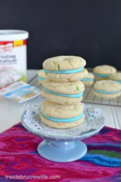 Cotton Candy Whoopie Pies - easy cake mix cookies filled with a cotton candy frosting Cookie Recipes From Scratch, Healthy Cookie Recipes, Candy Recipes, Baking Recipes, Dessert Recipes, Holiday Desserts, Just Desserts, Delicious Desserts, Thumbprint Cookies Recipe