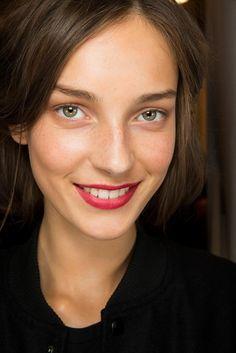 Burberry Prorsum Spring 2015 Ready-to-Wear Make up Photo : Sonny Vandevelde / Indigitalimages.com