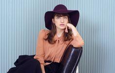 The Israeli singer-songwriter Sivan Talmor premiered a new music video for…