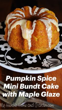 Cake Mix Recipes, Baking Recipes, Dessert Recipes, Mini Bunt Cake Recipes, Mini Desserts, Delicious Desserts, Bunt Cakes, Mini Bundt Cake, Pumpkin Bundt Cake