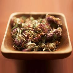 What it is: Red clover, an extract of a legume that contains substances (isoflavones) that mimic estrogen. It is found in products such as Promensil. Healthy Seeds, Healthy Life, Healthy Living, Natural Home Remedies, Herbal Remedies, Natural Healing, Hormone Imbalance Symptoms, Health Options, Health Tips