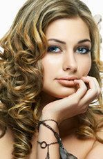 Choosing the right hairstyle can make you more attractive.