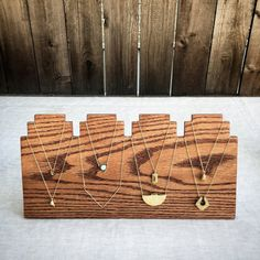 Artículos similares a Handmade Wooden Necklace Display. Craft Show Display. Jewelry Display. en Etsy