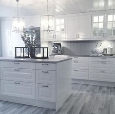 design free software kitchen design kitchen design in kitchen design kitchen design images cabinets kitchen design design with tiles design with white cabinets Kitchen Room Design, Kitchen Redo, Home Decor Kitchen, Kitchen Interior, New Kitchen, Home Kitchens, Kitchen Remodel, Kitchen Cabinet Styles, Kitchen Cabinetry