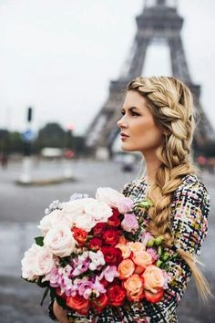 Her Hair. I NEED TO KNOW. (i also like the flowers)