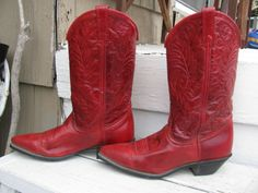 <3 red cowboy boots
