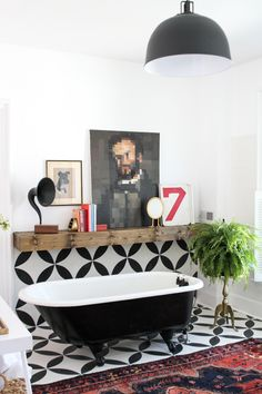 One Bathroom, Three Styles: Easy-Going Eclectic