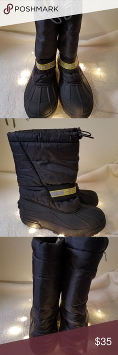 """SOREL Snow Chariot Insulated Winter Calf Boots 5 SOREL Snow Chariot Insulated Winter Calf Boots Youth Women Black Nylon 5 MINT Excellent Used Condition   Beautiful pull on insulated calf winter boots   Measurements:  Length: 10.5"""" in Width: 4"""" in Height: 11"""" in  Heels: 1"""" in   Thank you for looking!  DI-S04 Sorel Shoes Boots"""