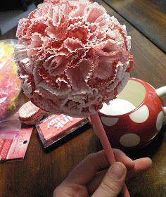 Craft-O-Maniac: Valentine CupCake liner Topiary