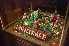 LEGO minecraft world :) Easy Minecraft Houses, Minecraft Toys, Easy Minecraft Cake, Creeper Minecraft, Minecraft Crafts, Minecraft Party, Minecraft Furniture, Minecraft Stuff, Lego Stuff