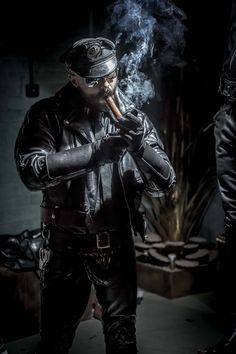 Leather bear and boy/pup/husband just sharing what kink we love and get into. Leather Hats, Leather Fashion, Leather Men, Leather Jackets, Cigar Men, Look Man, Pipes And Cigars, Man Smoking, Men In Uniform