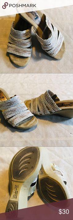 4bc8276857 Duck Head Cheri Cork Wedge Sandal White sandal with cork wedge. Size: 7  Wedge